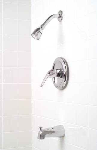BAYVIEW TUB & SHOWER FAUCET WASHERLESS CHROME FINISH