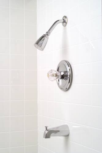 CONCORD TUB & SHOWER FAUCET WASHERLESS WITH 1 HANDLE CHROME FINI