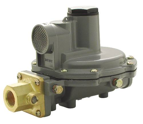 "GAS REGULATOR INTEGRAL TWO STEP 750,000 BTU 1/4"" FNPT"